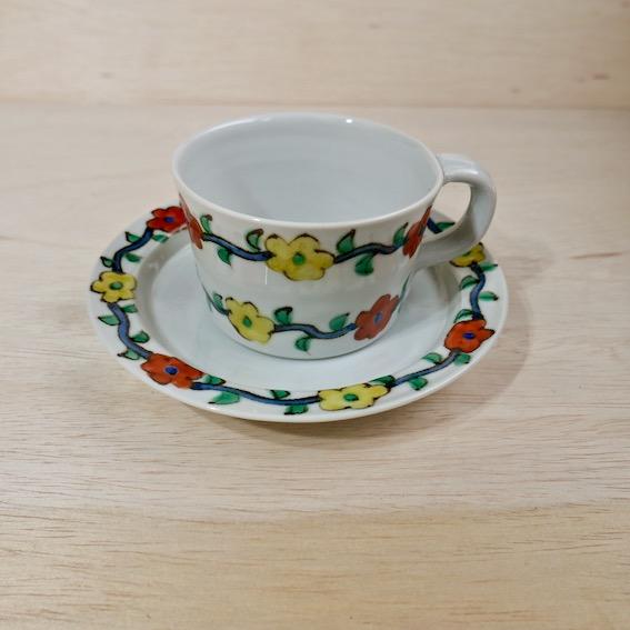 村田菜穂美のコーヒーカップとソーサー